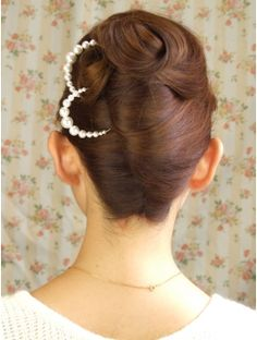Roll Hairstyle, Bun Hairstyles, Pretty Hairstyles, Wedding Hairstyles, French Twist Updo, French Twists, Hair Arrange, Hair Reference, Very Long Hair