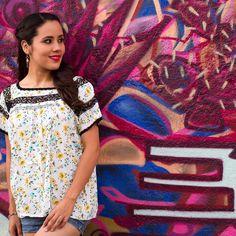 """Pedazo de mi Tierra (@pedazodemitierra) en Instagram: """"Tenemos nuevos modelos. Blusa estampada  con deshilado de San Antonino  Castillo Velasco…"""""""