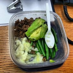 #whole30 day #1 lunch.. #groundbeef (I know I know... but I needed to cook that sucker before it went to waste) #mashed #cauliflower #greenmeanbeans #mytasty #avocado #half mmmmm