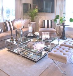 [New] The 10 Best Home Decor (with Pictures) - So posh & luxurious . Living Room Themes, Home Design Living Room, Living Room Decor Cozy, Living Rooms, Glamour Décor, Hollywood Glamour, Silver Living Room, Classy Living Room, Apartment Interior Design