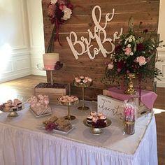 Bridal Shower Table Decorations, Bridal Shower Desserts, Bridal Shower Backdrop, Simple Bridal Shower, Bridal Shower Tables, Bride Shower, Backdrop Wedding, Decor Wedding, Communion Decorations