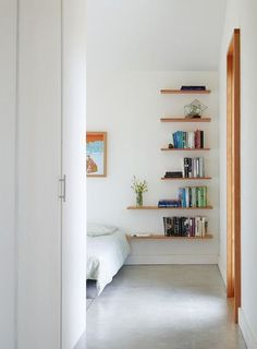 Simple Tips: Floating Shelves Kitchen Bar rustic floating shelves above couch.Floating Shelves Closet Wardrobes how to make a floating shelf budget.Floating Shelves Living Room Beside Tv. Shelves, Small Spaces, Home Projects, Interior, Bookshelves Diy, Home, Home Bedroom, House Interior, Small Bedroom