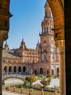 Cool Places To Visit, Places To Go, Spain Images, Budapest, Seville Spain, Spain And Portugal, Beautiful Architecture, Spain Travel, Travel