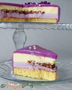 Tort Entremet cu violete si ciocolata 4 Fancy Cakes, Cute Cakes, Mini Cakes, Bakery Recipes, Dessert Recipes, Cooking Recipes, Cake Receipe, Torte Cake, Catering Food