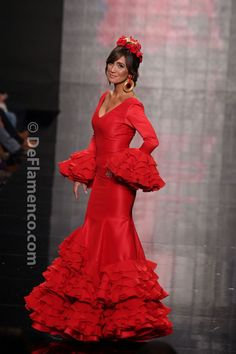 Spanish style – Mediterranean Home Decor Folk Fashion, Red Fashion, Couture Fashion, Fashion Show, Elegant Dresses, Pretty Dresses, Casual Dresses, Spanish Dress, Spanish Style