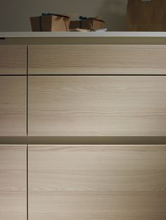 Santos: Kitchens designed to help you Modern Kitchen Cupboards, Kitchen Modular, Kitchen Interior, Kitchen Drawer Pulls, Kitchen Cabinet Handles, Kitchen Cabinet Design, Tea Table Design, System Kitchen, Kitchen Cabinet Manufacturers