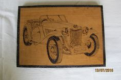 MG pirografado em araucária  (20 x 35 cm)