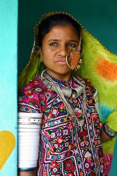 Portrait of a young Kutch woman. Hodka, Gujarat © J-Marie Boyer