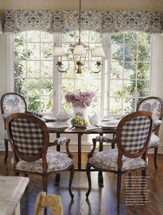 Luxury French Country Dining Rooms Decoration Ideas - Page 79 of 100 French Country Dining Room, French Country Kitchens, French Country Cottage, French Country Style, Country Living, Cottage Style, Rustic French, French Kitchen, French Country Fabric