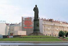 Площадь Дзержинского, 1973 г.