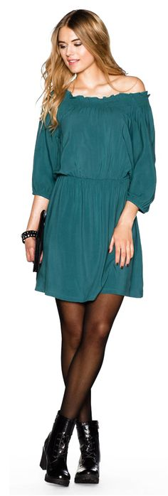 Off the shoulder green dress Off The Shoulder, Cold Shoulder Dress, Green Dress, Fashion Outfits, Casual, Clothes, Dresses, Green, Outfits