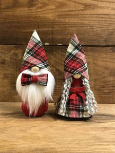Girl Gnome, Color Beard, Christmas Gnome, Christmas Ideas, Theme Noel, Homemade Gifts, Holiday Crafts, Sewing Crafts, Christmas Decorations