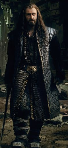 Thorin - BOTFA <- I could stare at this forever, just the chainmail alone is hypnotizing me...