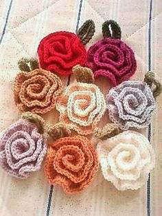 These brilliant crocheted blooms can be used to adorn and decorate any of your clothing accessory. They can even be used as broaches, or on a sweater or in a cap. You can make a bouquet using these flowers. Weave them in almost every color of rainbow. The leaves give it a natural look.