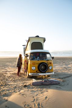 キャンピングカーに、必用な荷物だけ詰め込んでとにかく何処かへ!自分の心の赴くままに。そんな自由な旅のスタイル、とっても憧れちゃいますよね。 あなたにとって、気分を高揚させるような旅って何でしょう。行きたいところや、やりたい事を予めリストアップして出発する旅行もいいですが、たまには地図さえ持たずに目的のない旅も、これまでとは違う新たな自分を発見できる有意義な経験になるかもしれません。