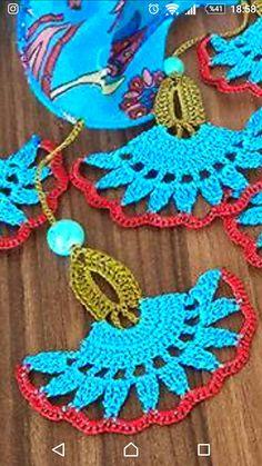 Free Mandala Crochet Patterns, Crochet Symbols, Crochet Motif, Crochet Designs, Crochet Flowers, Knitting Patterns, Crochet Earrings Pattern, Crochet Bracelet, Crochet Videos