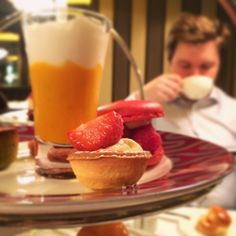 dat tea: strawberry edition. #afternoontea #mélange #sconesforever