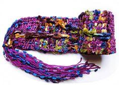 um fofo todo se achando esse cachecol. tem aqui na loja virtual http://www.elo7.com.br/cachecol-em-tear-fofinho-se-achando/dp/2F1FD1
