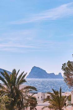 7Pines Kempinski Ibiza - White Ibiza Ibiza Holidays, Luxury Holidays, Ibiza Wedding, Seaside Wedding, Pershing Yachts, Ibiza Beach Club, Sunset Restaurant, Hotel Ibiza, Hotels And Resorts