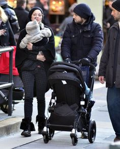 Marion Cotillard and Guillaume Canet love their Bugaboo Cameleon!