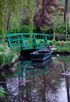 Monet's Garden, Giverny France Claude Monet, Monet Garden Giverny, Places To Travel, Places To Visit, Vita Sackville West, Giverny France, Gaudi, France Travel, Belle Photo
