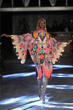 Manish Arora Ready to Wear Spring 2016 Fashion News, Runway Fashion, Fashion Art, High Fashion, Womens Fashion, Fashion Design, Quirky Fashion, Colorful Fashion, Mode Baroque
