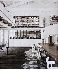 Poutres peintes sur pinterest poutres plafonds et espaces for Poutres peintes