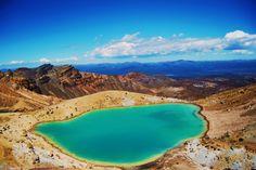 Emerald Lake, Tongariro National Park, New Zealand.