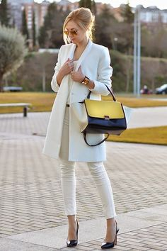 Fashionista: Love This White Style women fashion outfit clothing stylish apparel closet ideas Winter Fashion 2014, Autumn Fashion, Vogue, Look Fashion, Womens Fashion, Fashion Trends, White Fashion, Girl Fashion, Fashion Glamour