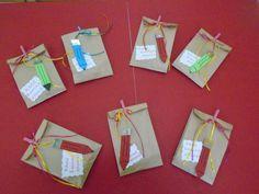 ΔΩΡΑΚΙΑ ΚΑΛΩΣΟΡΙΣΜΑΤΟΣ -ΣΑΚΟΥΛΑΚΙΑ ΜΕ ΜΟΛΥΒΙΑ ΚΑΙ ΕΚΠΛΗΞΕΙΣ Grammar Exercises, Material Board, 1st Day, School Psychology, Back To School, Diy And Crafts, Kindergarten, Projects To Try, Gift Wrapping