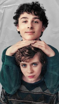 New Netflix series It Movie 2017 Cast, Queen Sophia, Im Not Okay, Celebs, Celebrities, Pretty People, Short Hair Styles, Tumblr, Beauty
