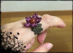 Flower Ring 16.1 Macrame Rings, Macrame Jewelry, Macrame Bracelets, Jewlery, Micro Macramé, Diy Rings, Macrame Projects, Macrame Tutorial, Haiti
