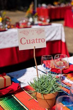 Quirky Spanish table name place ideas