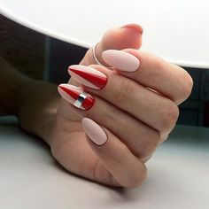 Elegant Pointed Nail Art Ideas That Inspiring 38 - Easy Nail Designs Easy Nails, Simple Nails, Fun Nails, Simple Nail Designs, Nail Art Designs, Local Nail Salons, Stripped Nails, Nailed It, New Nail Trends