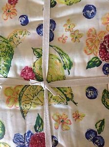 APRIL CORNELL 70 INCH ROUND TABLECLOTH CREAM WITH FRUIT NIP