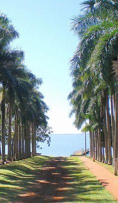 lake itaipu paraguay