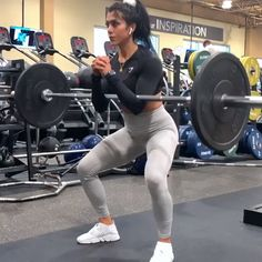 Work your legs and glutes with this lower body gym workout routine with weights. Work your legs and glutes with this lower body gym workout routine with weights. Power Workout, Leg And Glute Workout, Pilates Workout Routine, Workout Videos, Leg Routine, Pop Pilates, Workout Body, Full Body Workouts, Gym Workouts