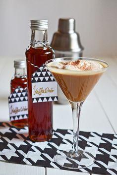 Rezept für Coconut Mudslide - eine leicht expotische Variante dieses Cocktail-Klassikers mit Kaffeelikör