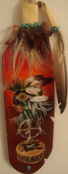 To the beat of the heart Native American Legends, Native American Pictures, Native American Tribes, Native Americans, Feather Painting, Feather Art, Parrot Feather, American Paint, Unusual Art