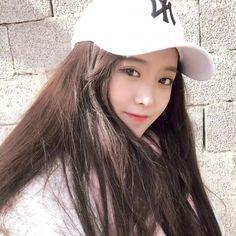 Read Ulzang 1 from the story Pict Ulzang by with reads. Ulzang cans nih, kyk gw eaa:v ~ Uzzlang Girl, Hey Girl, Asian Cute, Beautiful Asian Girls, Guys And Girls, Cute Girls, Ulzzang Girl Selca, Girl Korea, Japan Girl