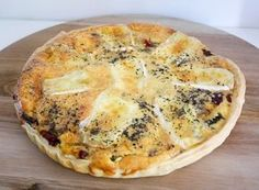 Reall about pizza recipes quick. Bruchetta Recipe, Brie, Tapas, Breakfast Quiche, Savoury Baking, Healthy Summer Recipes, Quiche Recipes, Pizza Recipes, Amigurumi