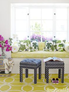 Cheery window seat. Designer: Krista Ewart. Photo: Victoria Pearson. housebeautiful.com