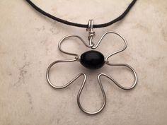 Collana fiore di filo di alluminio