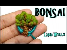 Tutotorial TELAR DECORATIVO 3 Paso a Paso Fantasía AGUA Tapiz Wall hanging Wandteppich Lana Wolle - YouTube Tapestry Weaving, Loom Weaving, Handmade Crafts, Diy And Crafts, Make And Sell, How To Make, Tear, Weaving Techniques, Bonsai