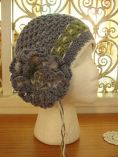 1920s Vintage Style Blue Green Crochet Cloche