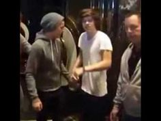 Larry Stylinson Holding Hands