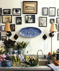 ich mag die Idee, Bilder in unterschiedlichen Größen und Farben an einer Wand aufzuhängen...