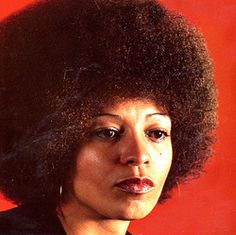 Angela Davis is an American political activist, scholar, and author. Her blown out afro set the mood for an entire era of African-American empowerment in the One of the most important black women of our time. Black Panthers, African American Hairstyles, African American Women, American History, Women In History, Black History, Beautiful Black Women, Beautiful People, Non Plus Ultra