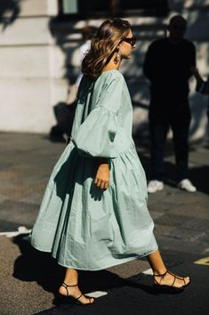 Need a quick fashion pick-me-up without the buyer's remorse? These little extras have the power to update your whole outfit in a flash Spring Fashion, Girl Fashion, Womens Fashion, Fashion Trends, Uk Fashion, Korean Fashion, Vintage Fashion, Fashion Tips, Look Boho