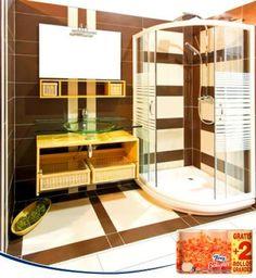Utiliza un pulverizador para abrillantar el espejo y la mampara de tu baño con una mezcla de agua y amoníaco. El segundo ayudará a eliminar mejor los restos de cal y jabón, de modo que tu baño lucirá mucho más limpio.